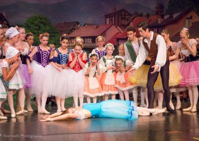 Giselle dies of a broken heart