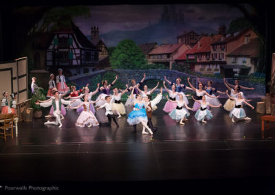 Giselle, Albrecht and Villagers
