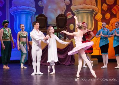 Sugar Plum Fairy greets Marie and the Prince