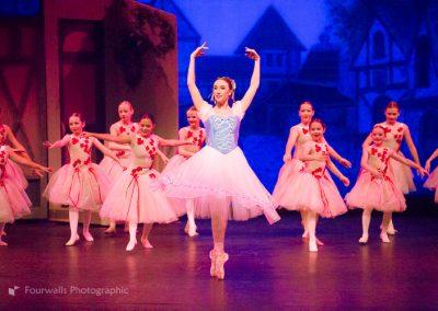 Swanhilda and the Peasant Girls